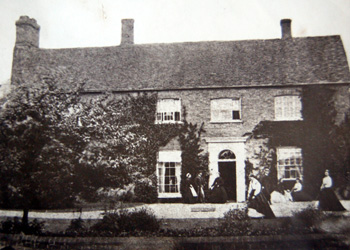 Manor Farmhouse about 1900 [X535-1]